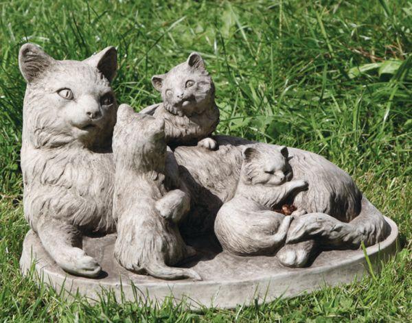 Katzenfamilie Katzenmutter mit Kitten 27x40cm grau Steinfigur