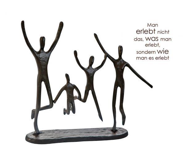 Skulptur Jumping Familie Family Eisen brüniert 22x20 cm