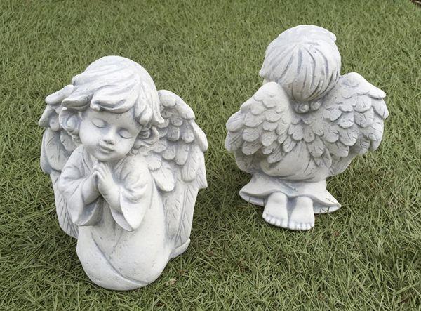 Niedlicher Engel 18 cm hoch Steinfigur